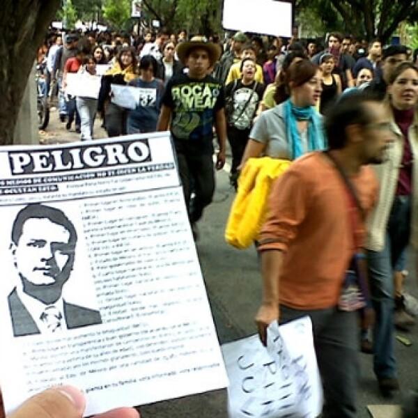 manifestación de yosoy132 el día después de la elección