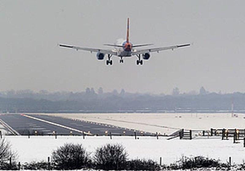 El transporte aéreo creció sólo 5.4 por ciento en noviembre (Foto: AP)