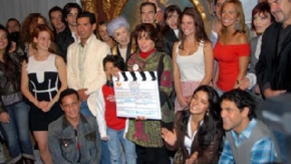 La telenovela basada en la historia venezolana será protagonizada por Valentino Lanús, Alexis Ayala, Roberto Palazuelos, Grettel Valdez, Altair Jarabo, Ricardo Margaleff, Laura Flores y Ariadne Díaz.