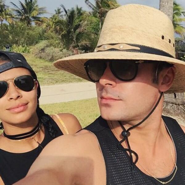 Sami Miró y Zac Efron pasean su romance en México.