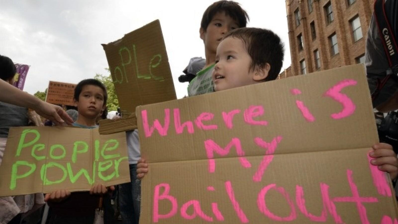 niños participan en protesta en Tokio