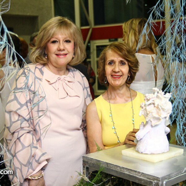 Nancy Rodríguez de Guzmán y Beatriz Amores de Blanca.