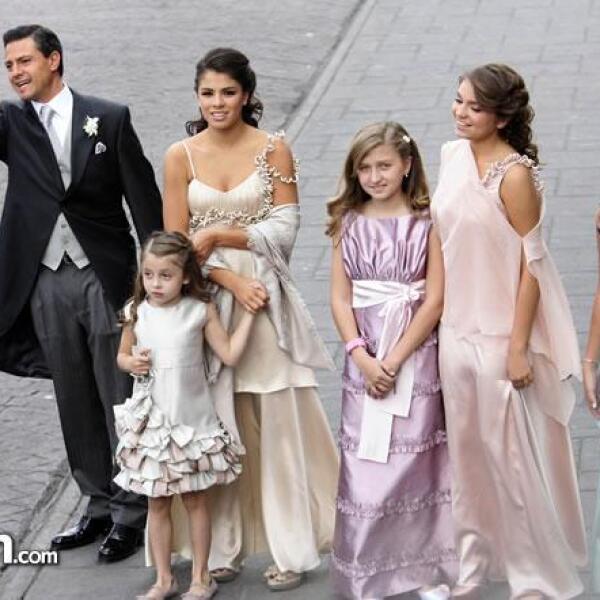 Enrique Peña Nieto,Regina Castro Rivera,Paulina Peña Pretelini,Fernanda y Sofía Castro Rivera cpon Nicole Peña Pretelini
