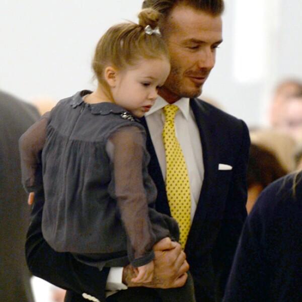 Así de guapos se pusieron David y Harper para ver triunfar a Victoria en la semana de la moda de Nueva York.