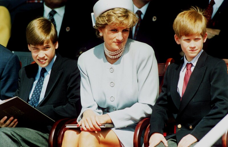 Lady Di con los príncipes William y Harry