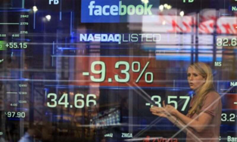 El inversionista busca representar a todos los que perdieron dinero en el debut de la red social. (Foto: AP)