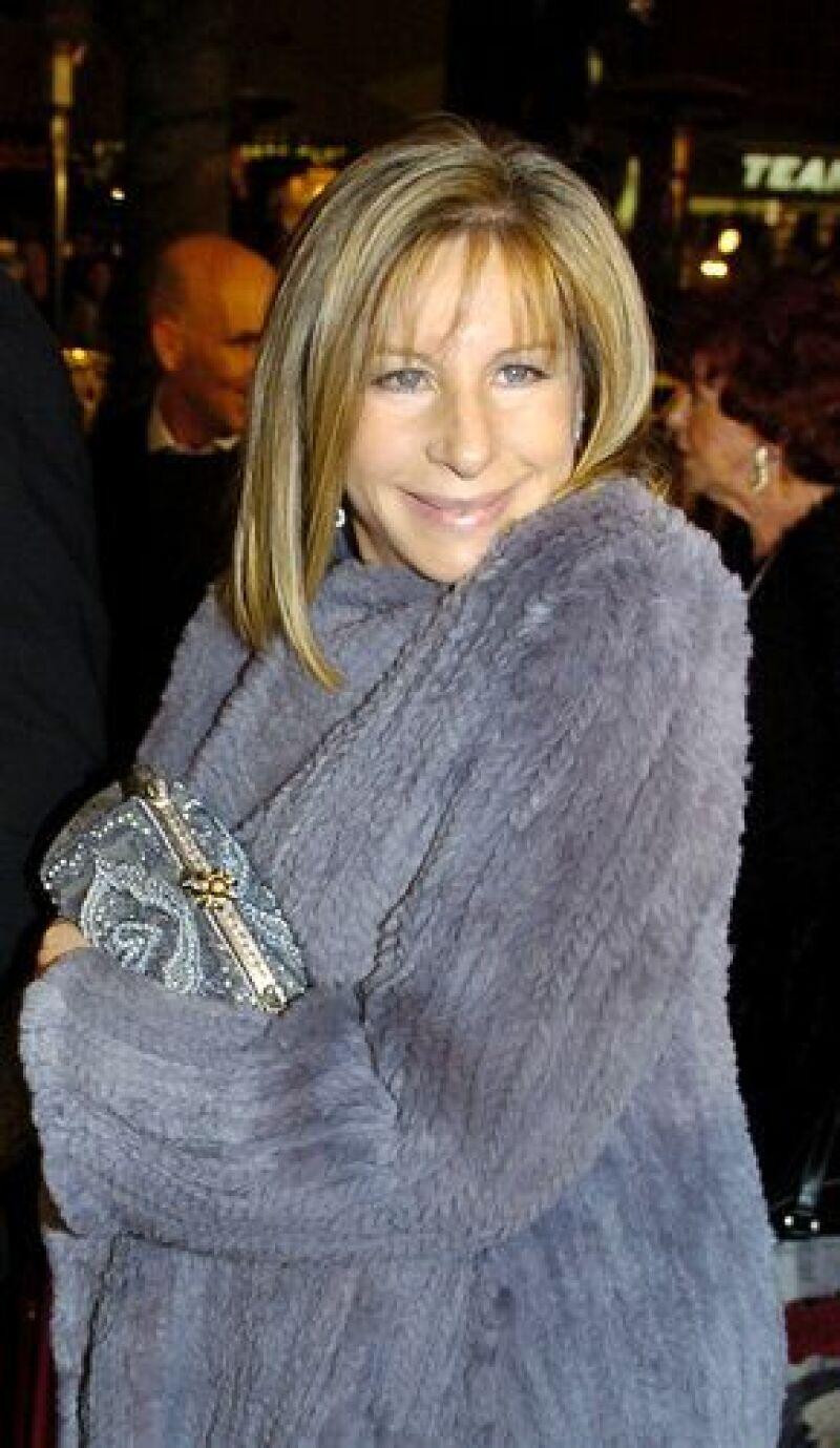 La actriz y cantante dice que de pequeña, su familia radicada en Brooklyn, Nueva York, padeció carencias económicas.