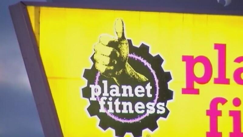 La franquicia de gimnasios Planet Fitness decidió revocar la membresía a una persona que se quejó de un transgénero