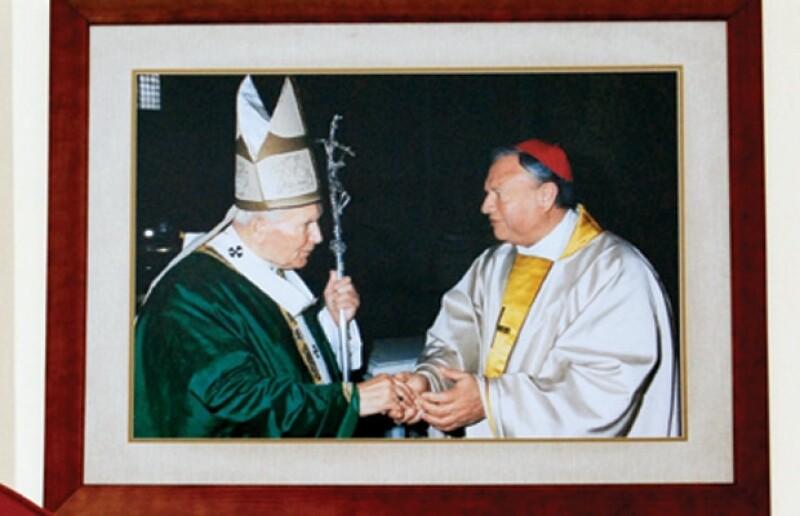Juan Pablo II lo llamaba de cariño Guadalajara. Aquí en el Jubileo del 2000 en Italia.