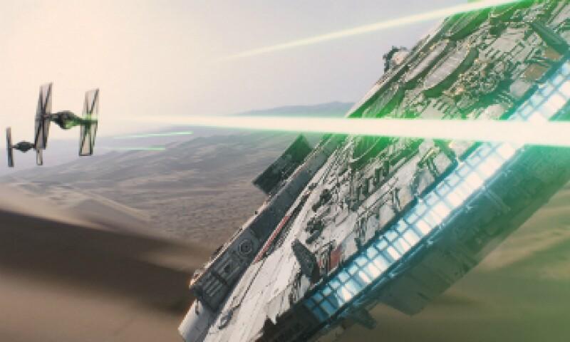 Algunas personas dicen que Han Solo no está al mando del Halcón Milenario durante las intensas secuencias de batalla que se ven en los cortos. (Foto: Lucasfilm )