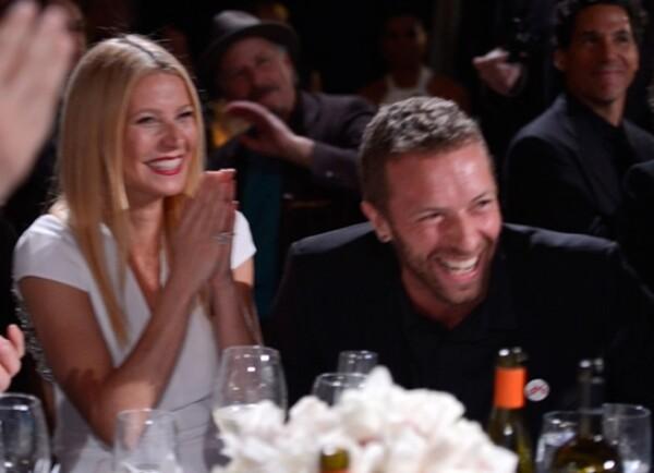 Gwyneth Paltrow y Chris Martin apenas hace dos meses se dejaron ver muy sonrientes en un evento.