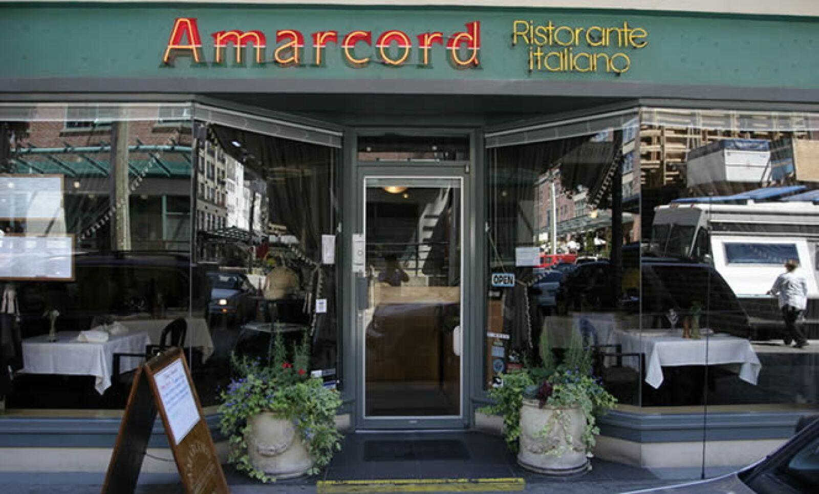 Si prefieres la comida italiana, visita el Amarcord Ristorante Italiano, en el número 96 de la calle Bronte. Con un ambiente familiar, el promedio de gasto por persona es de 25 dólares y sus postres son la especialidad de la casa.