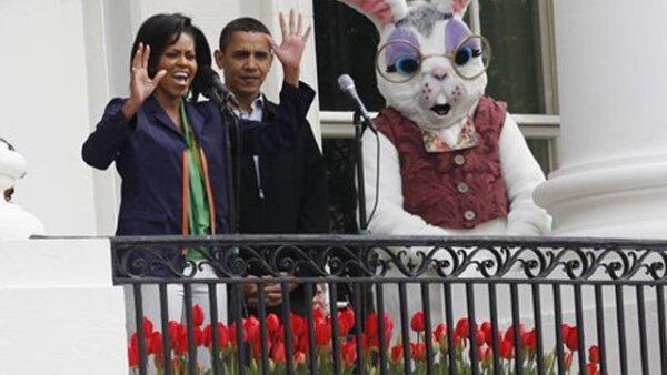 El Presidente Barack Obama, al lado de su esposa Michelle, dieron la bienvenida a los asistentes a la Casa Blanca.
