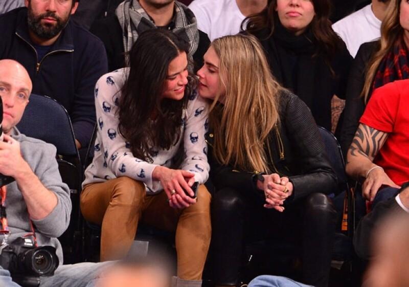 Una amiga de la actriz aseguró al periódico Daily Mail que la estadounidense está más feliz que nunca, tanto que ha pensado en que le gustaría tener hijos con Delevingne.