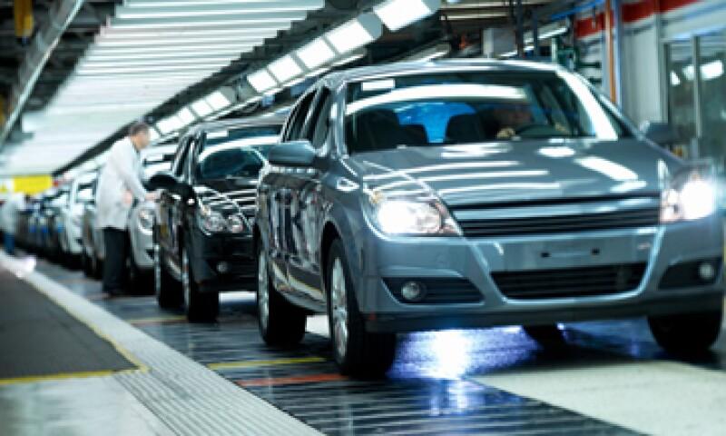 Se espera que México produzca cerca de tres millones de automóviles al término de este año. (Foto: Getty Images)