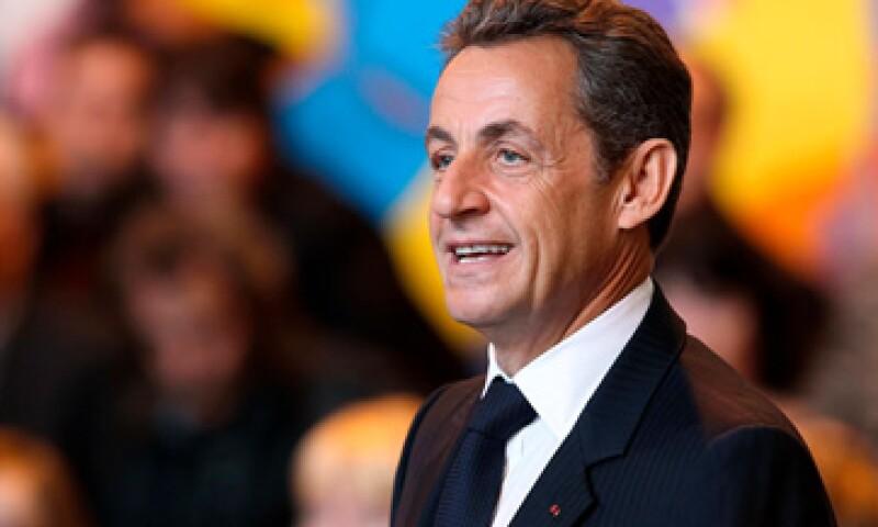 El presidente Nicolas Sarkozy visitó la aldea La Villetelle, donde bebió café y no pagó la cuenta. (Foto: Reuters)