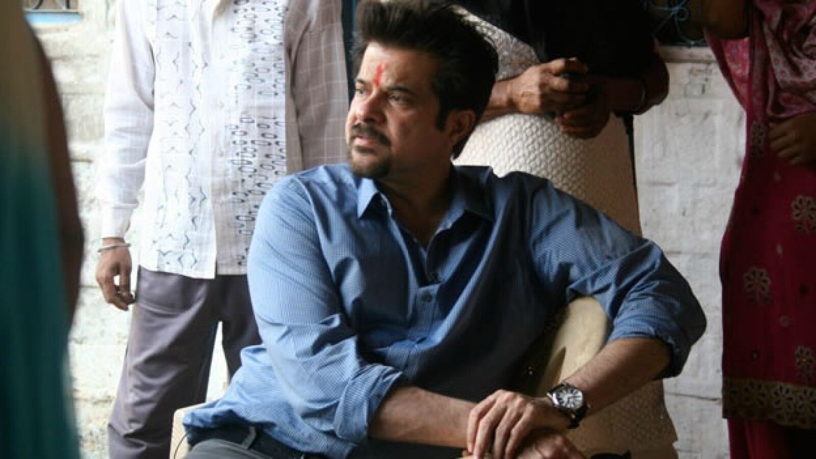 Anil Kapoor trata de personas India 07