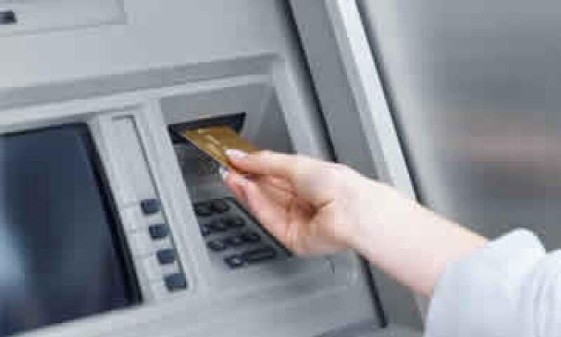 El número de robos bancarios pasó de 810 en 2009 a 701 en 2010, y la afectación económica se ajustó de 48 millones 810,000 pesos a 36 millones 509,000 pesos. (Foto: Photos to go)