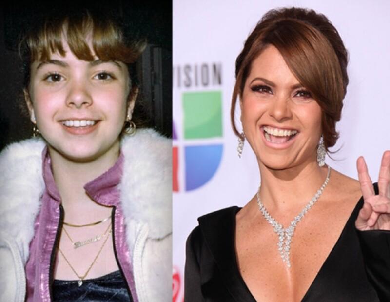 Desde niña Lucero ha destacado por su gran belleza, la cual se ha incrementado con los años.