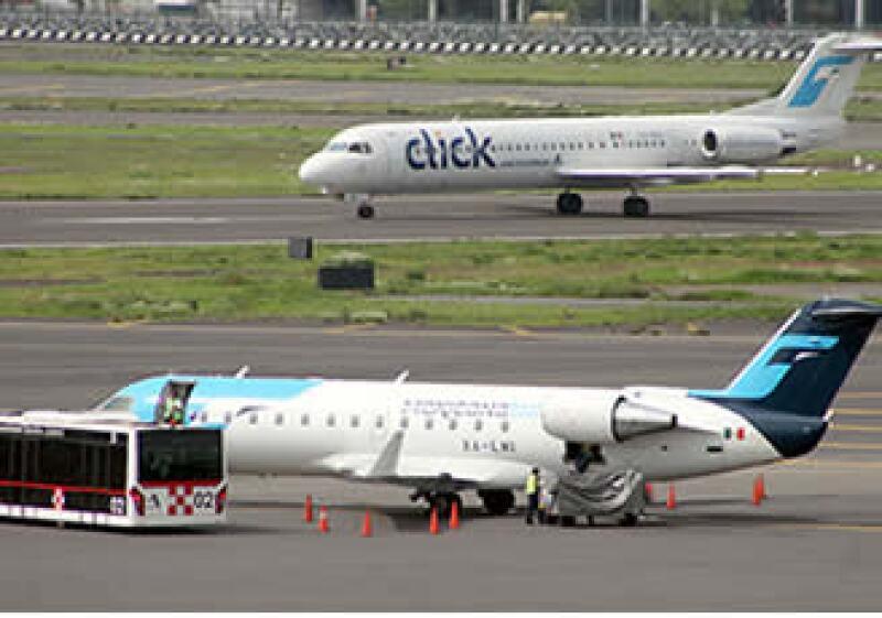 Click, aerolínea de bajo costo de Grupo Mexicana de Aviación llegó a tener una participación de 15% en el mercado doméstico. (Foto: Notimex)