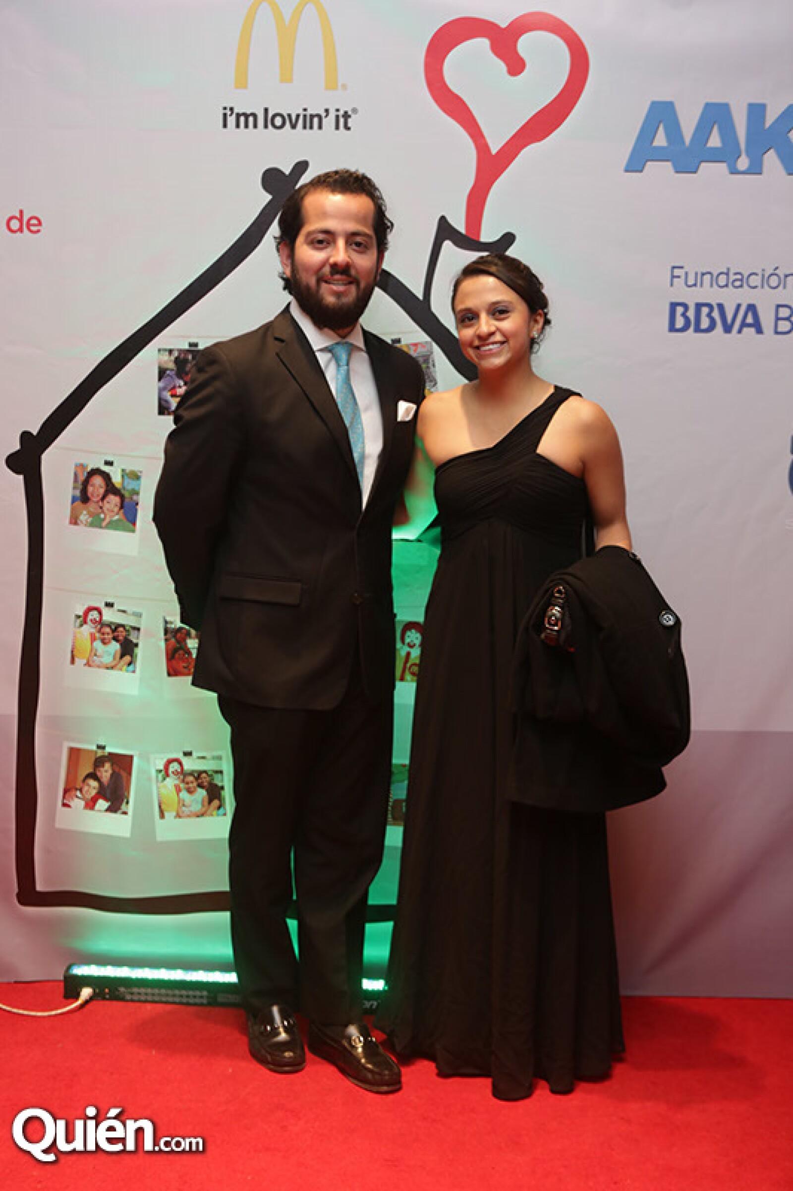 Roberto Carmona y Gabriela Guevara