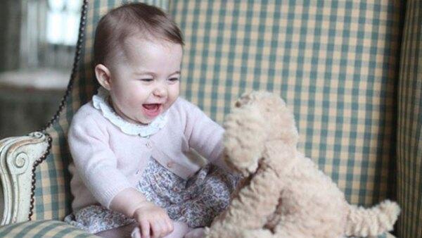 Desde que nació, la princesa ha ido aumentando su colección de juguetes y costosos obsequios de reyes, presidentes, entre ellos Enrique Peña Nieto, y ministros.
