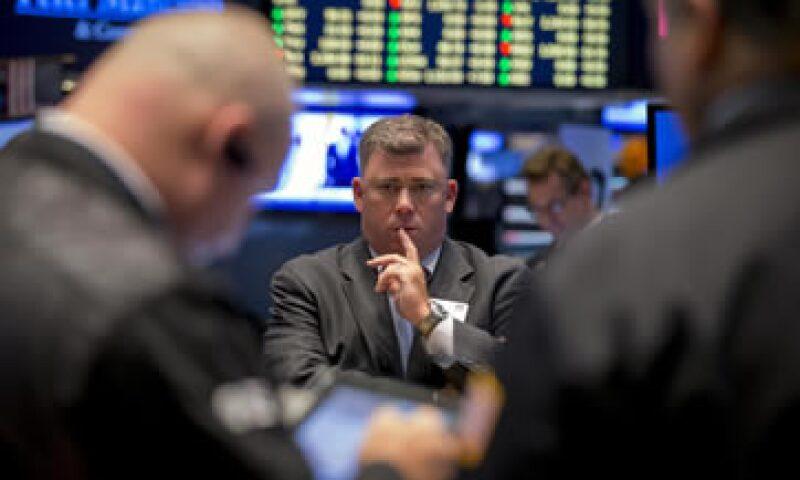 Un retraso en la aprobación de una ley para elevar el techo de deuda en EU podría afectar a los merccados. (Foto: Reuters)