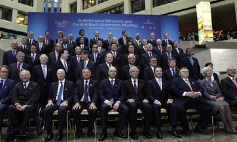 Las expansivas monetarias de Japón, EU e Inglaterra fueron motivo de debate en la reunión de ministros. (Foto: Reuters)