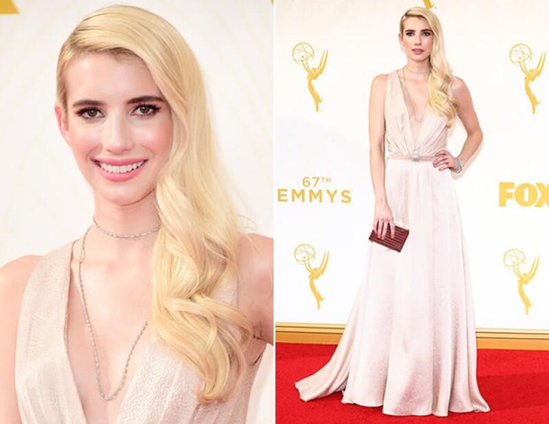 Emma Roberts acertó con un vestido hecho a la medida de Jenny Packham.