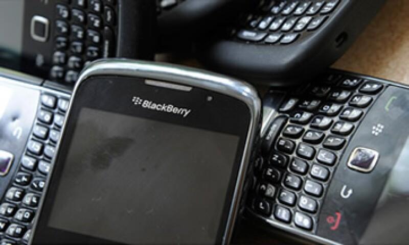 Los usuarios de BlackBerry en Europa comenzaron a tener problemas con los servicios de mensajería desde el lunes pasado. (Foto: Cortesía CNNMoney)