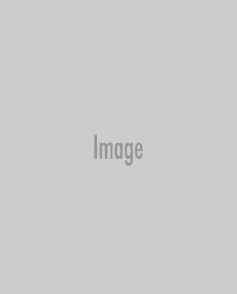Jared Leto recibió de manos de Lupita Nyong´o.