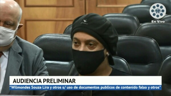 e 5 meses de prisión en Paraguay