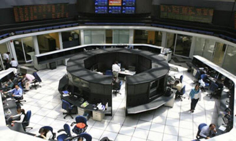El mercado bursátil cerró el lunes al alza. (Foto: Getty Images)