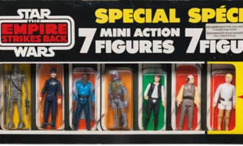 Una caja de 7 muñequitos de personajes de Star Wars fue vendido por 32,500 dólares  (Foto: Twitter/@Sothebys)