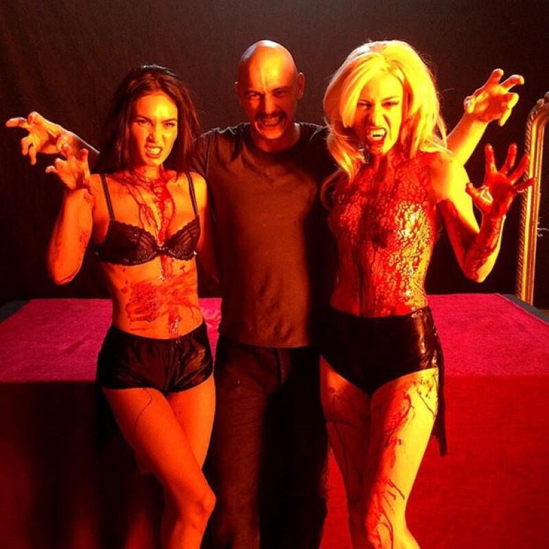 El director de cine publicó en su Instagram una espeluznante pero sexy foto al lado de la guapa actriz detrás de cámaras, quien formará parte del elenco de &#39Zeroville&#39 película que dirige.