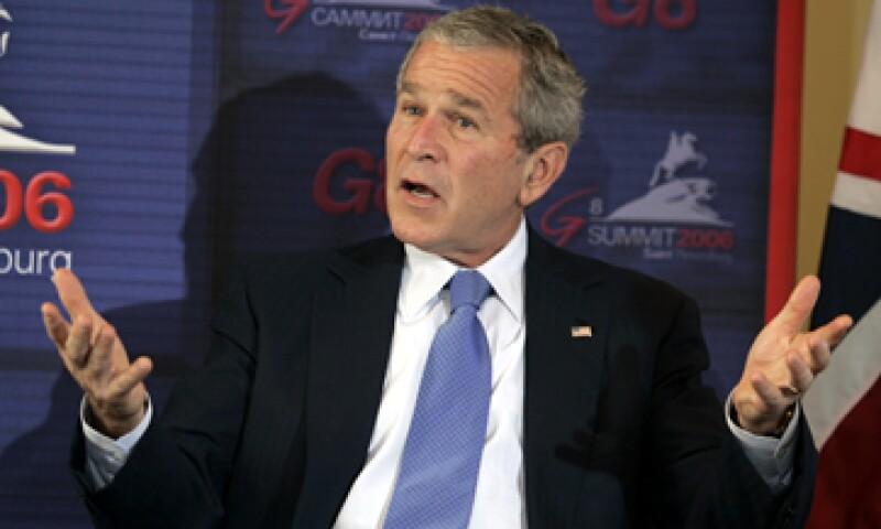La semana pasada se dieron a conocer fotos personales de la familia del ex presidente George W. Bush. (Foto: AP)