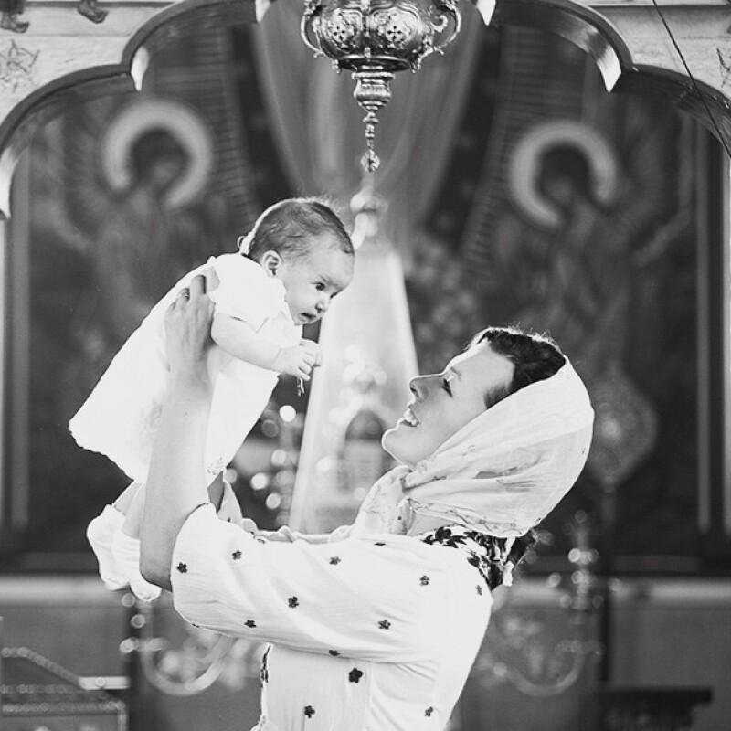 Esta semana la actriz bautizó a su hija Dashiel Edan de dos meses de edad en una ceremonia ortodoxa rusa en Los Ángeles.