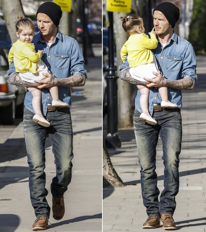 Papá e hija fueron captados mientras caminaban por la calle y esta vez ella no fue la única que causó ternura.