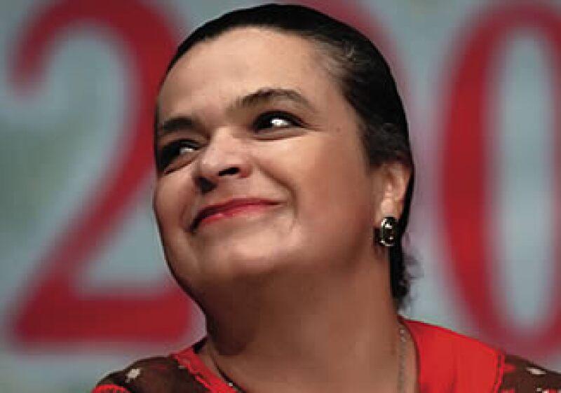 La presidenta del PRI, Beatriz Paredes, dice que la economía es la prioridad. (Foto: ProcesoFoto)