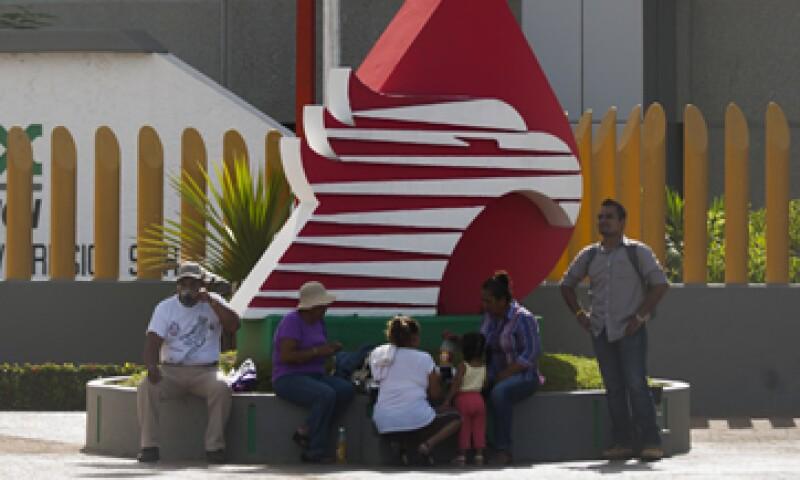 Pemex se prepara para hacer alianzas con empresas  y de esa forma aumentar su producción. (Foto: Reuters)