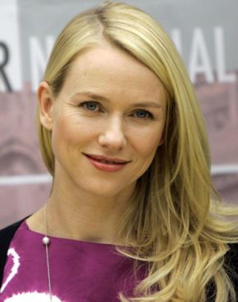 La actriz de 40 años eligió el nombre de su hijo con ayuda de su esposo Liev Schreiber.