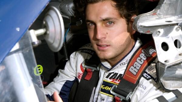 A los seis años se subió por primera vez a un auto, ahora el piloto está listo para la serie Nascar que se correrá el 1 de marzo en el Autódromo Internacional Raceway de Phoenix.
