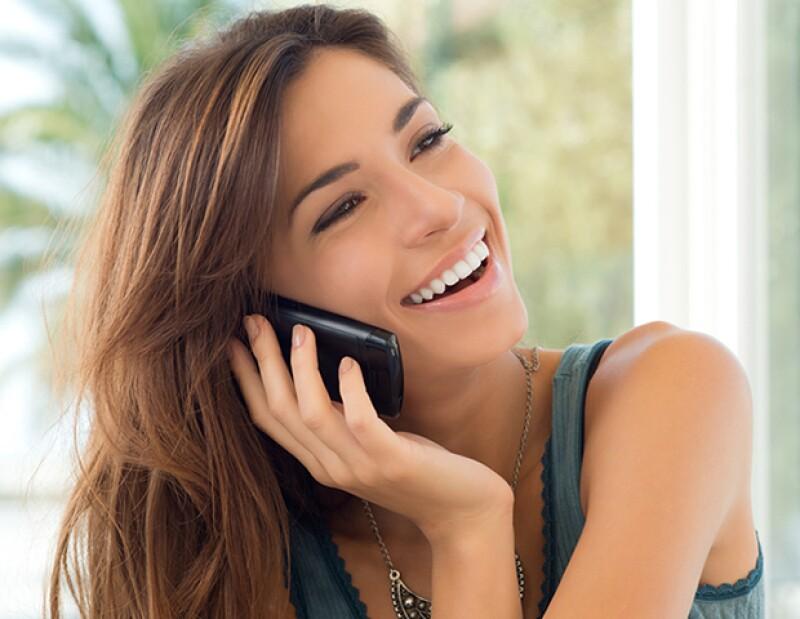 El celular carga mucha suciedad que llevas directamente a tu cara cuando hablar por él.