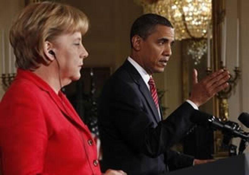Barack Obama, en conferencia de prensa con la canciller alemana Angela Merkel, elogió a los protestantes iraníes. (Foto: AP)