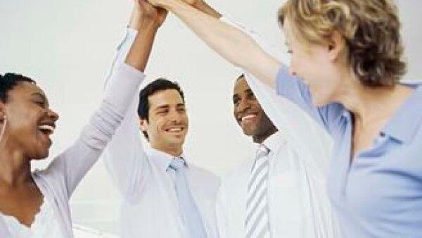 Las empresas tienen en mejor estima a quien desarrolla la habilidad de adaptarse a diferentes personalidades. (Foto: Jupiter Images)