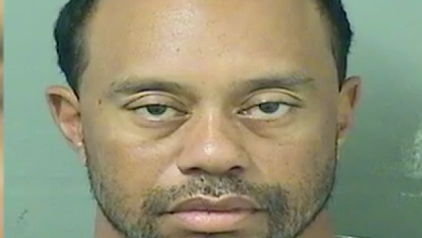 Tiger Woods fue arrestado bajo sospecha de conducir ebrio