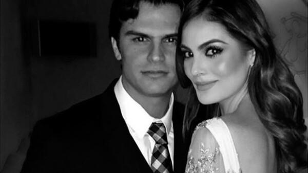 La ex Miss Universo publicó una fotografía junto al empresario Juan Carlos Valladares Jr., en cuyos comentarios sus amistades dejaron en evidencia que hay un posible noviazgo entre ellos.