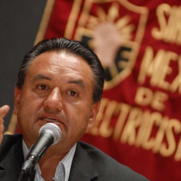 El martes en conferencia de prensa, Martín Esparza insistió que hará valer su presunto triunfo como dirigente del Sindicato Mexicano de Electricistas y adelantó la posible realización de marchas y plantones.