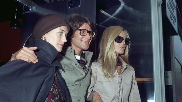 Foto: GettyImages; Loulou de la Falaise, Yves Saint Laurent, Betty Catroux, 1969