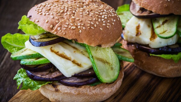 Grilled vegetable and haloumi burger with romaine lettuce